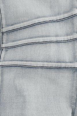 Mukavat siniset farkut rennolla leikkauksella