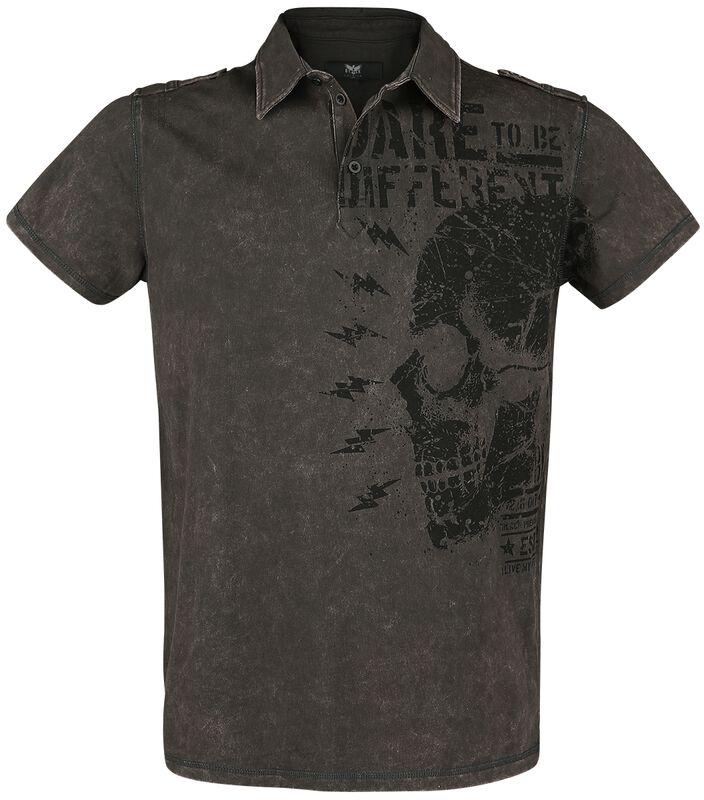 T-paita kauluksella ja painatuksella