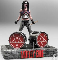 Tommy Lee Rock Iconz Statue