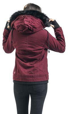 Viininpunainen hupullinen takki tekoturkiskauluksella