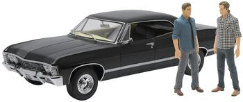 Model Car - 1967 Chevrolet Impala Sport Sedan - with Sam and Dean Figures