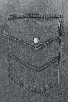 Harmaa paita erikoispesulla