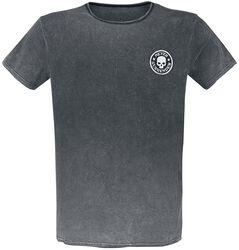 T-paita erikoispesulla ja kangasmerkillä